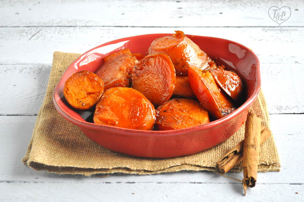 Mexican Candied Sweet Potatoes: a traditional recipe that is perfect to serve for Dia de los Muertos. Naturally #vegan + #glutenfree!