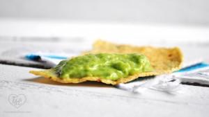 Creamy Tomatillo + Avocado Salsa is perfect for your fiesta or taco tuesday! #salsa #Mexican #avocado