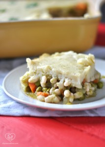 Vegan Shepherd's Pie with flavorful salsa verde white bean and veggie base that is topped with a vegan mashed potato layer. #vegan #glutenfree #plantbased