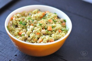 A light + healthy quinoa salad with a curry based dressing. Its delicious served warm or as a cold salad! #vegan #quinoa #glutenfree