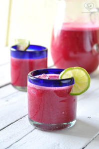 Light + refreshing Strawberry Prickly Pear Agua Fresca. Perfect for a Spring brunch! #spring #mexican #drink #easter