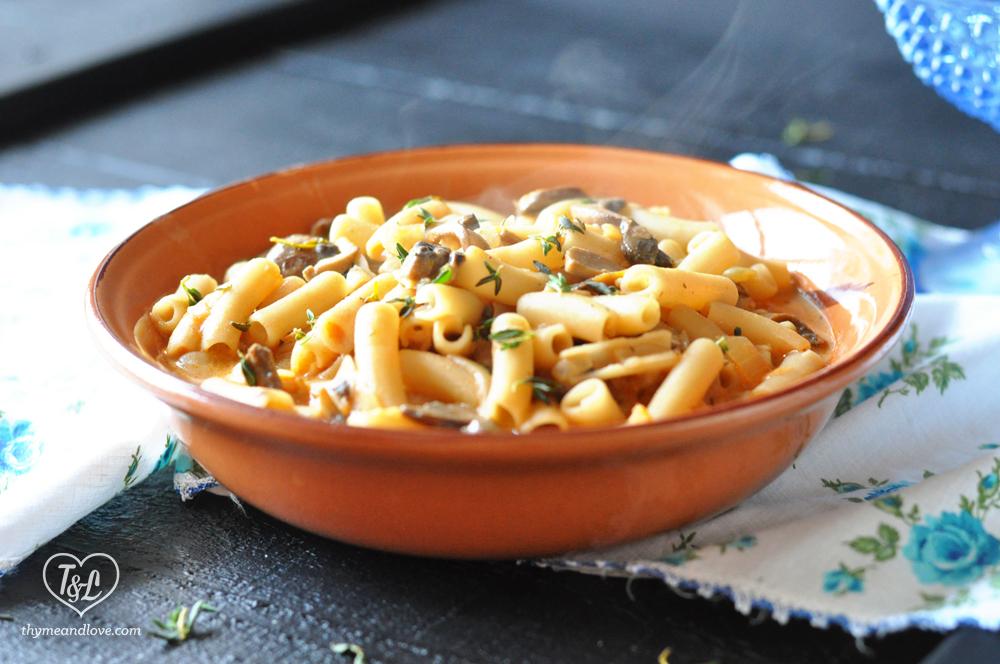 Vegan Creamy Vegan Mushroom Penne Pasta. Use a glutenfree pasta to give this gluten-free! #pasta #plantbased #vegan