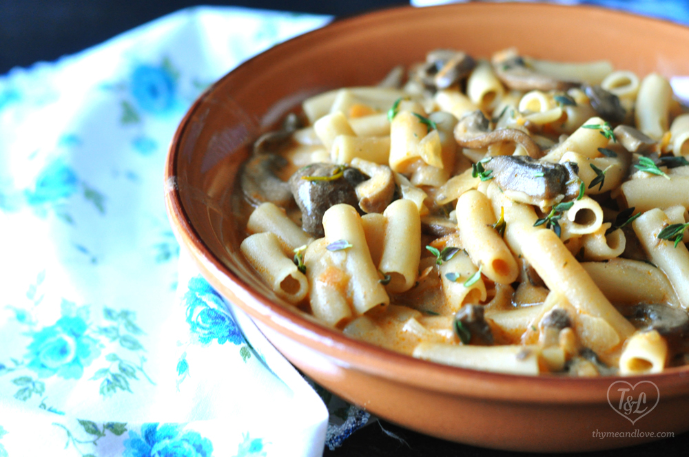 Creamy Gluten Free + Vegan Penne Pasta with Mushrooms. Perfect for pasta night!