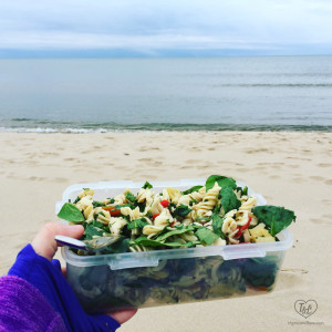This Spinach Artichoke Pasta Salad makes the perfect lunch to have at the lake! #pasta #summer #salad