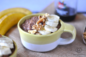 Slow Cook Banana Nut Oatmeal: all the flavors of banana bread in the form of oatmeal! A great make-ahead breakfast. #oatmeal #slowcooker #vegan #glutenfree