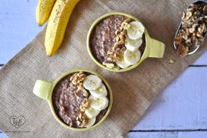 Slow Cooker Banana Nut Oatmeal: all the flavors of banana bread but in oatmeal! #breakfast #oatmeal #glutenfree #vegan