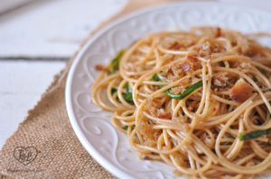 Ramp Spaghetti with toasted bread crumbs. Yum!! Perfect pasta for Spring! #pasta #ramps #spring #vegan