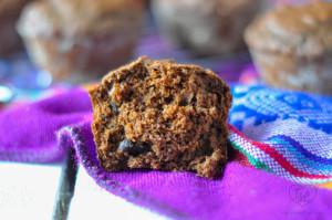 Vegan Chocolate Muffins with dark chocolate chips. Perfect breakfast for any chocolate lover! #vegan #muffins #chocolate