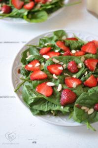 Strawberry Spinach Salad with Rhubarb Dressing #vegan #salad #summer