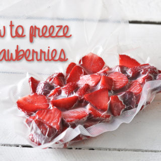 Guide on how to freeze strawberries. Take advantage of strawberry season and freeze extras to use throughout the winter# #strawberries #foodsaver
