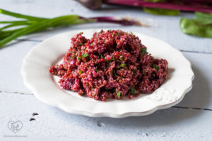 Red Quinoa and Beet Salad with light dressing. Perfect make ahead lunch and travels well for picnics and potlucks! #quinoa #salad