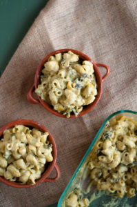 Vegan Green Chile Mac n' Cheese: a rich, creamy cashew sauce with roasted poblano peppers throughout the pasta add a little spice!