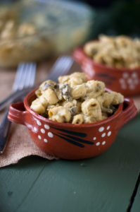 Vegan Gluten Free Vegan Mac n' Cheese with roasted poblano peppers studded throughout the pasta. A cozy, comforting pasta dinner!