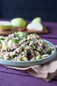 Healthy and delicious Brown Rice Salad with Apples and Pecans with a light lemon dressing. Perfect for nutritious lunch! #vegan #glutenfree