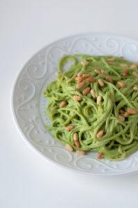 Vegan Cilantro Pesto Spaghetti: a quick, easy weeknight pasta recipe! #vegan #dinner