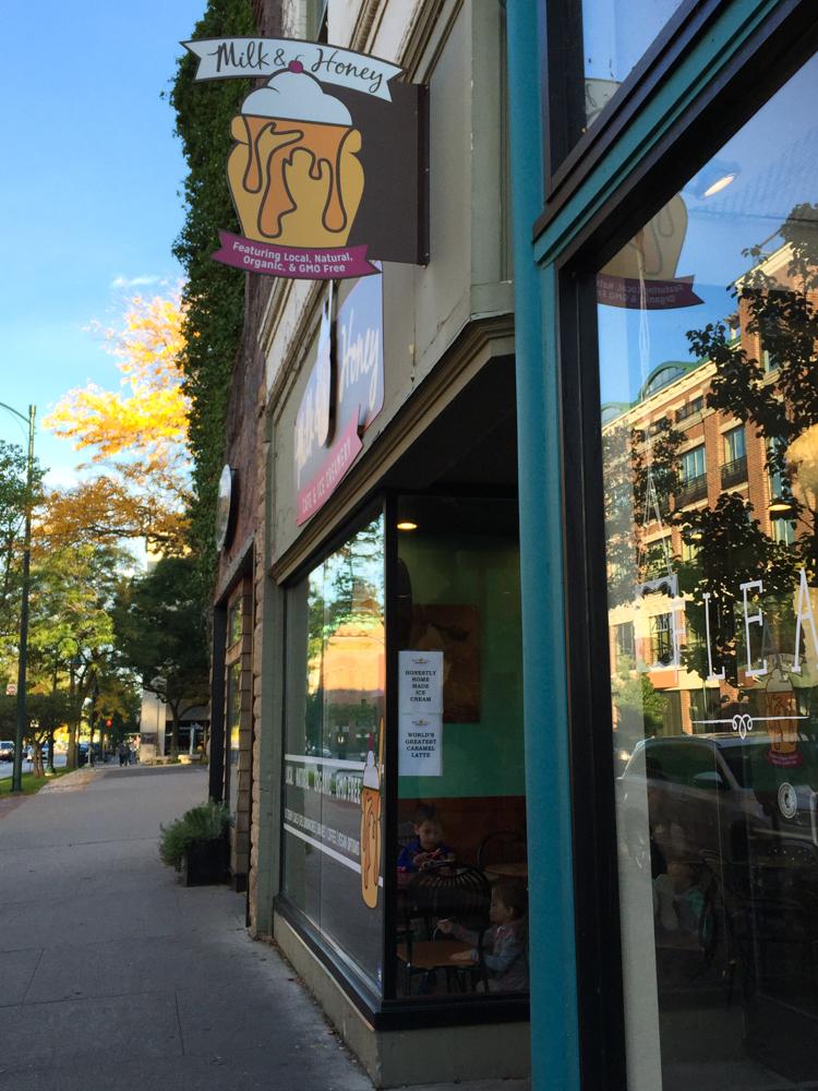 Vegan Ice Cream Options at Milk & Honey in Traverse City, MI. #vegan #travel