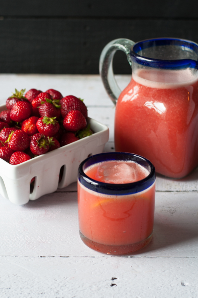Orange Strawberry Agua Fresca. A refreshing Mexican fruit based drink. #mexican #drink