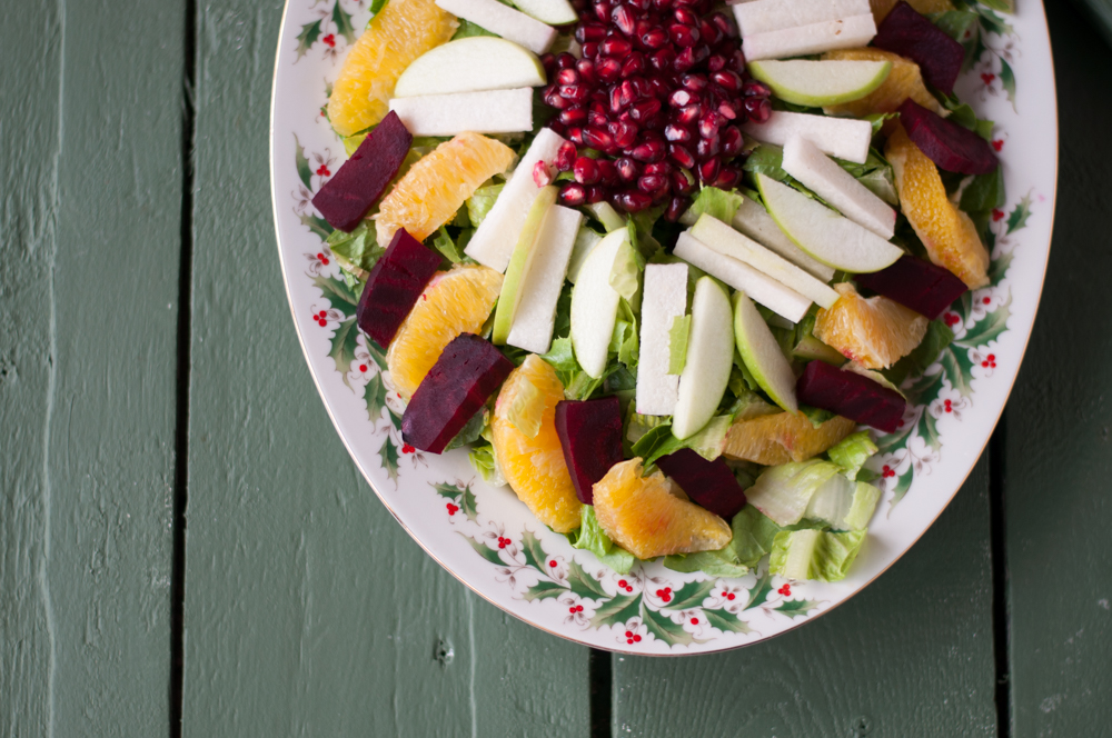 Mexican Christmas Eve Salad: a healthy, colorful festive salad for this Christmas holiday. #mexican #christmas