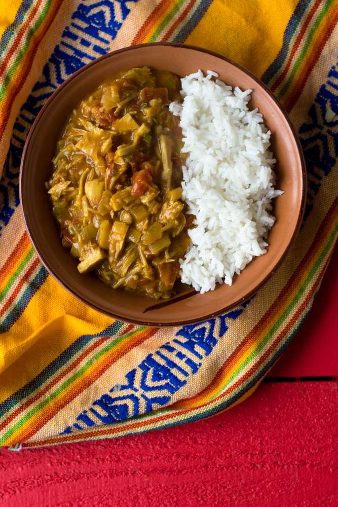 Easy Vegan Jackfruit Curry. Perfect for a cold winters night. #vegan #jackfruit