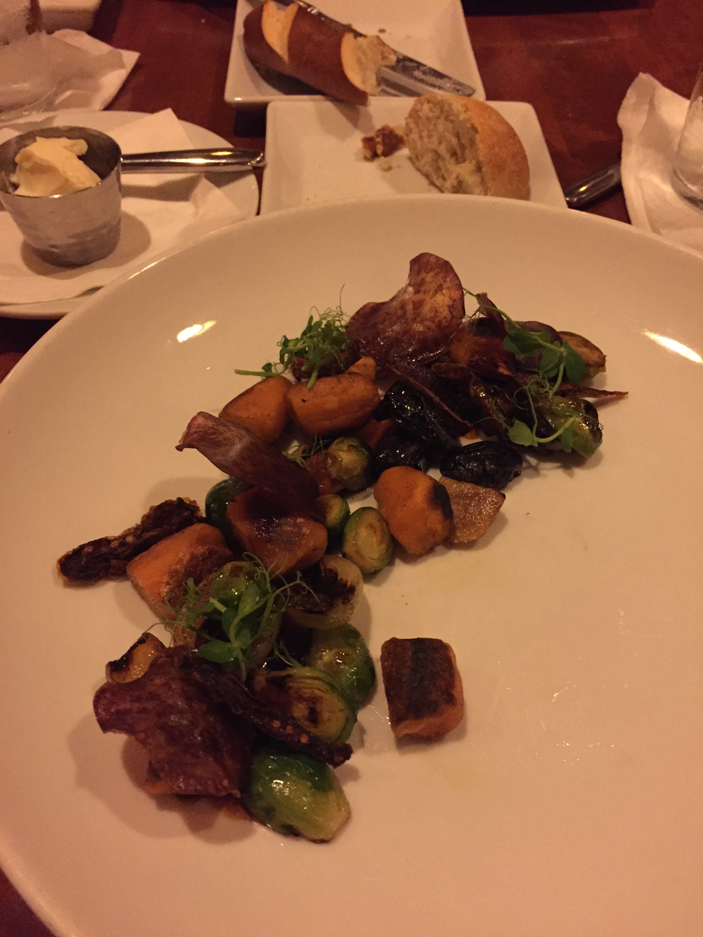 Vegan dining at Epcot's Le Cellier #vegan #travel