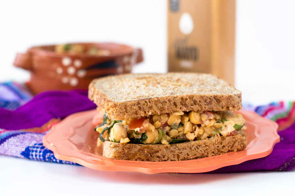 Mexican Chickpea Salad Sandwich: a quick & easy vegan lunch option. #vegan #sandwich