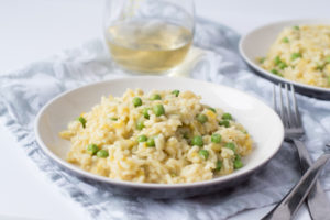 You are going to love how easy it is to make this baked leek and pea risotto. No stirring required!