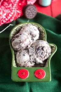 Candy Cane Joe-Joe Vegan Ice Cream is a festive ice cream perfect for the holidays! #vegan #christmas