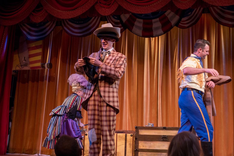 Hoop-dee-doo revue review at Disney's Fort Wilderness.
