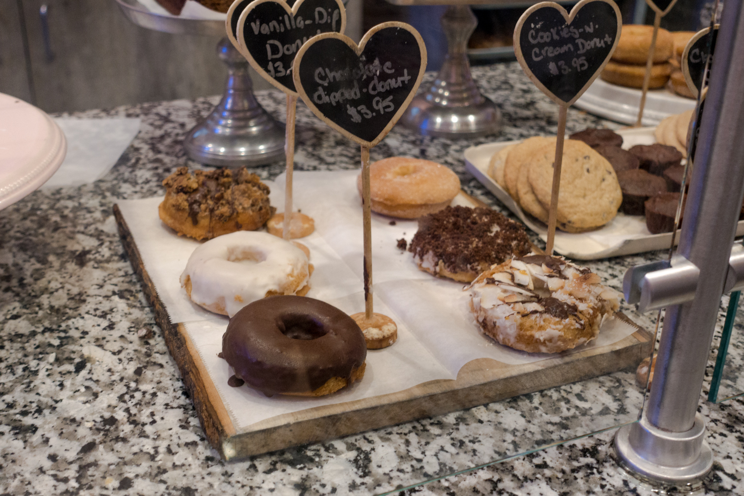 vegan donuts from Erin Mckenna's Bakery at Disney Springs #vegan #disneyworld