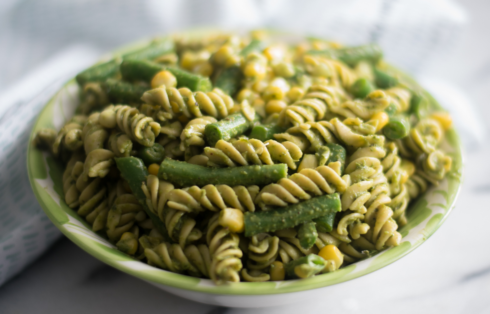 This Easy Vegan Pesto Pasta Salad is perfect for BBQs and potlucks!