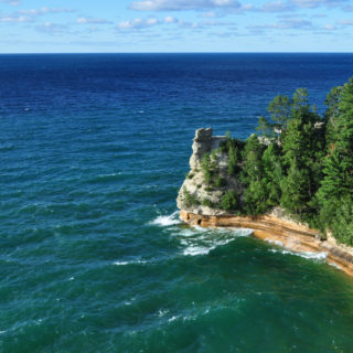 Discover the natural and diverse beauty of Michigan. Dip your toes into Lake Michigan, kayak in the largest great lake, go blueberry picking, or enjoy a glass of Michigan wine.