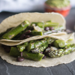 Easy Asparagus and Black Bean Tacos are the perfect taco for spring! #vegan #taco #asparagus