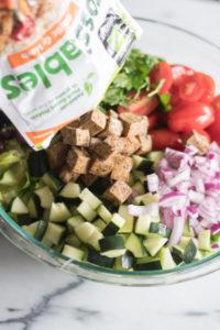 Vegan Greek Chopped Salad #salad #vegan #tofu #summer #glutefree