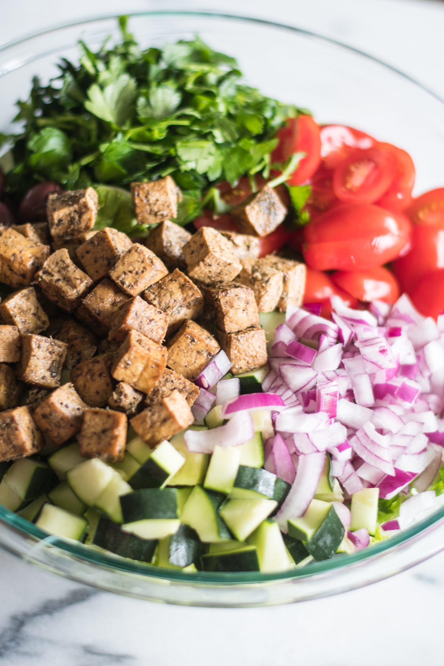 Vegan Greek Chopped Salad #salad #summer #greek #vegetarian #summer #tofu #glutenfree
