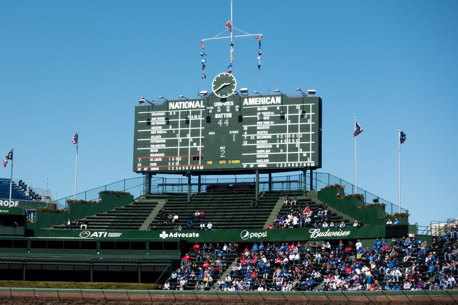 Travel Guide to Wrigleyville in Chicago: Tips for seeing the Cubs play at Wrigley Field. #Chicago #Cubs #baseball #sports #travel #summer #midwest #travel #getaway #Illinois #trip #guide #planning