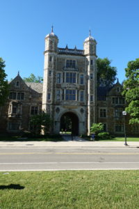 Home of the University of Michigan, Ann Arbor offers something for everyone. From hip coffee shops, very vegan-friendly restaurants, and a plethora of things to see and explore. Throughout myAnn Arbor Getaway: What to See, Do and Eattravel guide, I will share some of my favorite places and things to do in this great Midwest town!