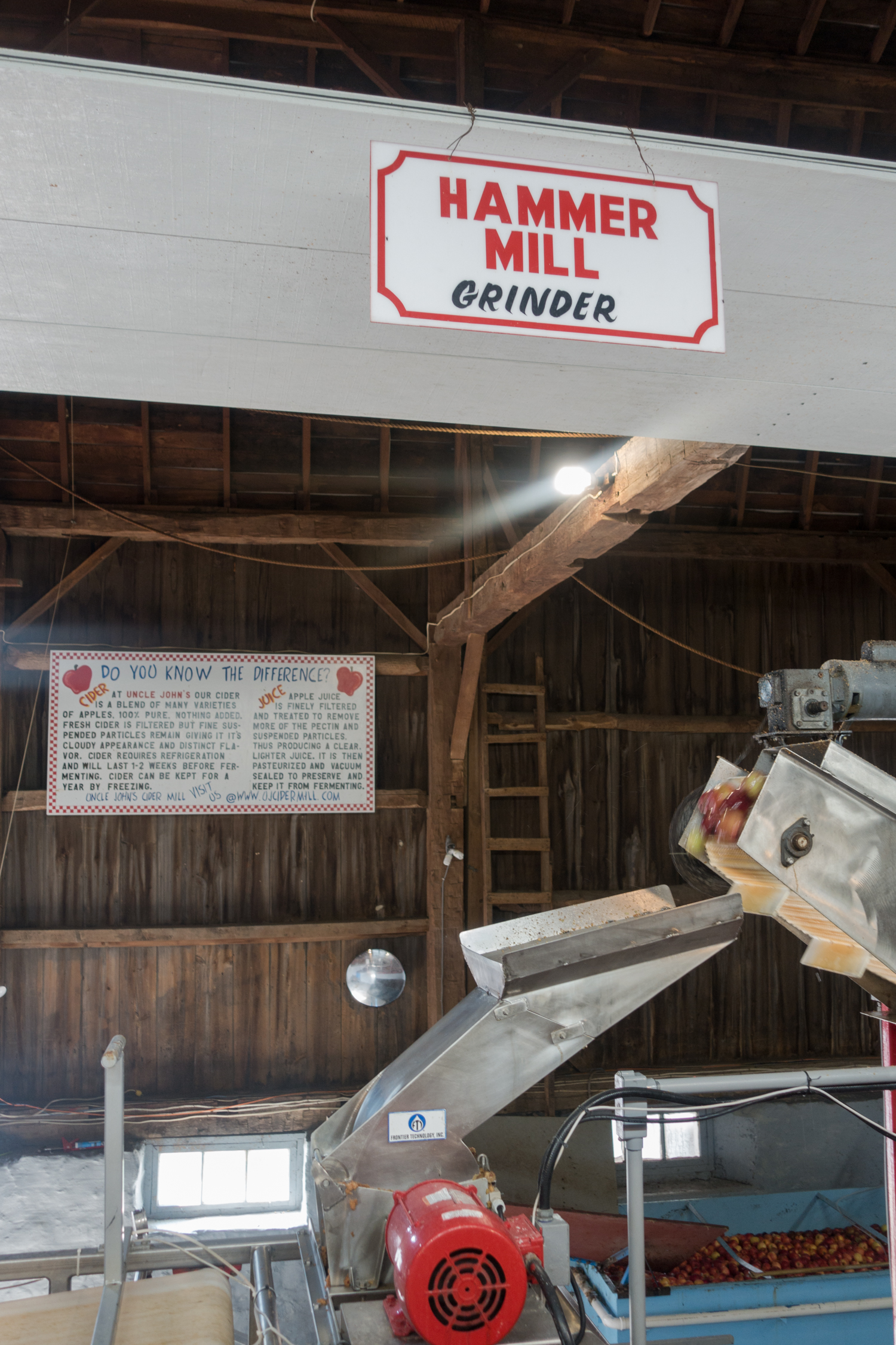 Every fall, Michiganders partake in one of the most quintessential fall activities —visiting to the local cider mill. Visiting the cider mill is an annual tradition for most families here in the great lakes state.