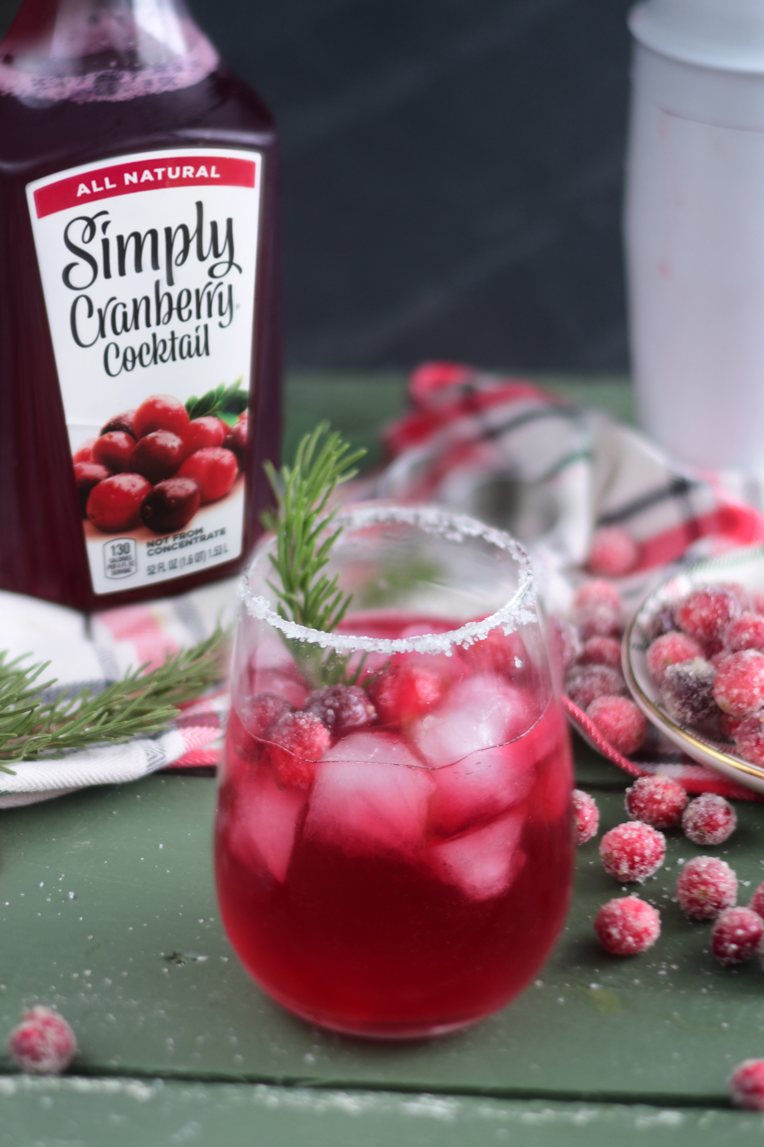 A festive drink perfect for the holidays, your guests will love these Cranberry Margaritas! #drink #Christmas #holidays