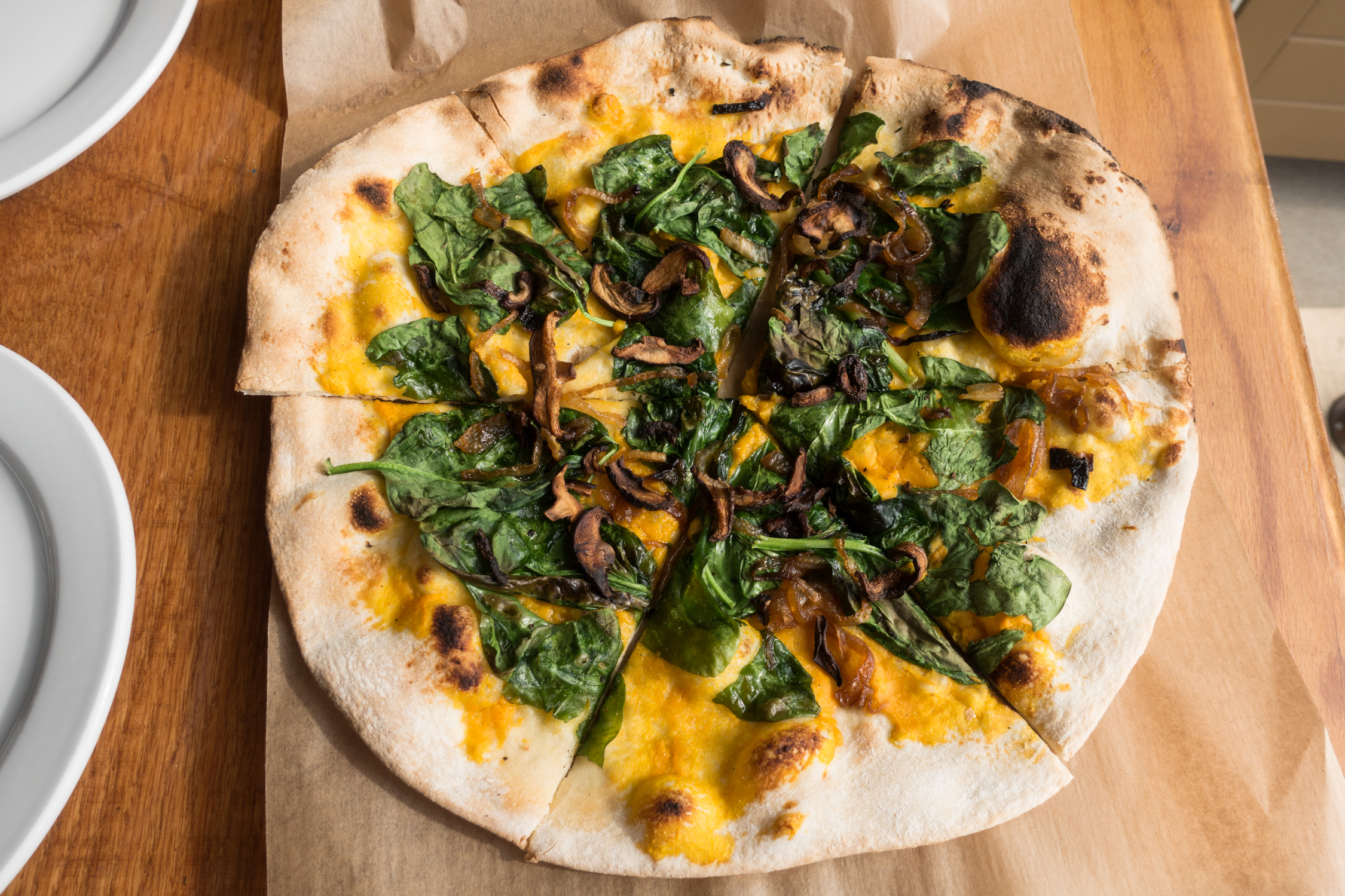 Whether you live in Grand Rapids or our planning a trip to this great Midwest city, I hope that this list of the Best Places for Vegan Pizza In Grand Rapids is helpful in your quest to find delicious vegan pizza!
