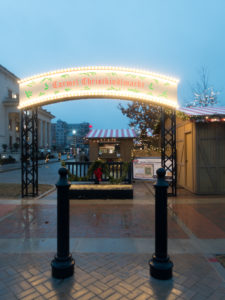 In Carmel, Indiana, you can find the traditional old world German market right in the heart of downtown Carmel. The Chirstkindlmarkt features a blend of traditional holiday food, drinks, and decor. #Indiana #travel #travelguide #Christmas #markets #Midwest