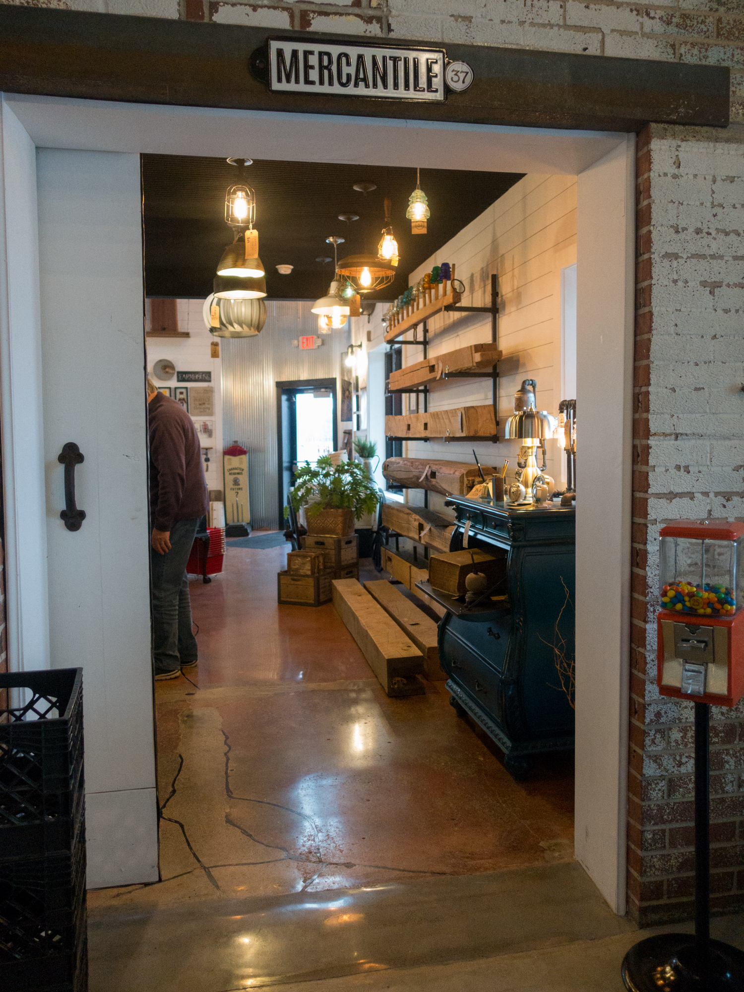 Looking for an unique store for holiday shopping? Be sure to check out Mercantile 37, located in Atlanta, Indiana. The Mercantile 37 studio and showroom features quality, custom home goods created by a collective of local makers.