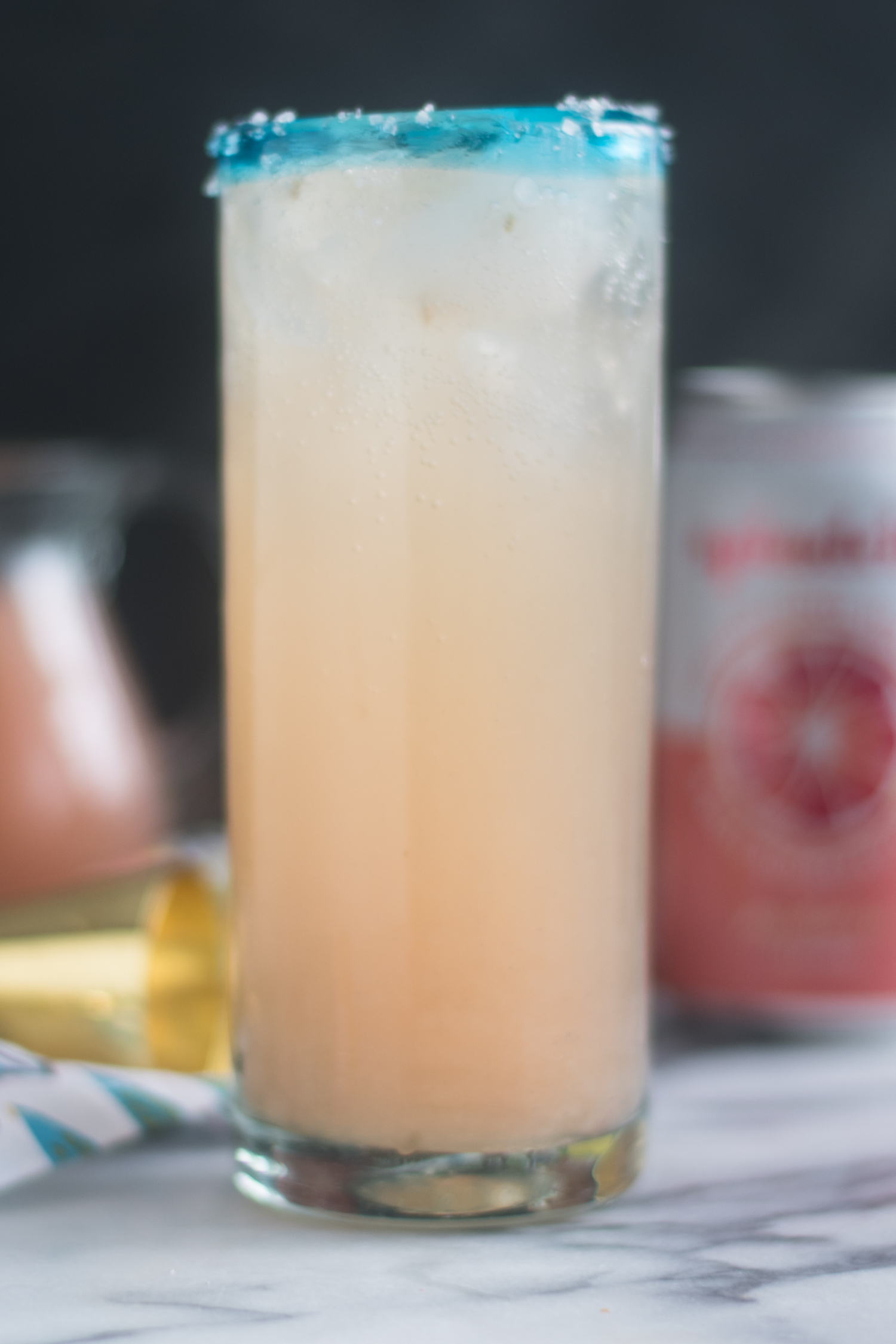 This Mexican Paloma Cocktail is a light, refreshing cocktail is made with fresh grapefruit juice.
