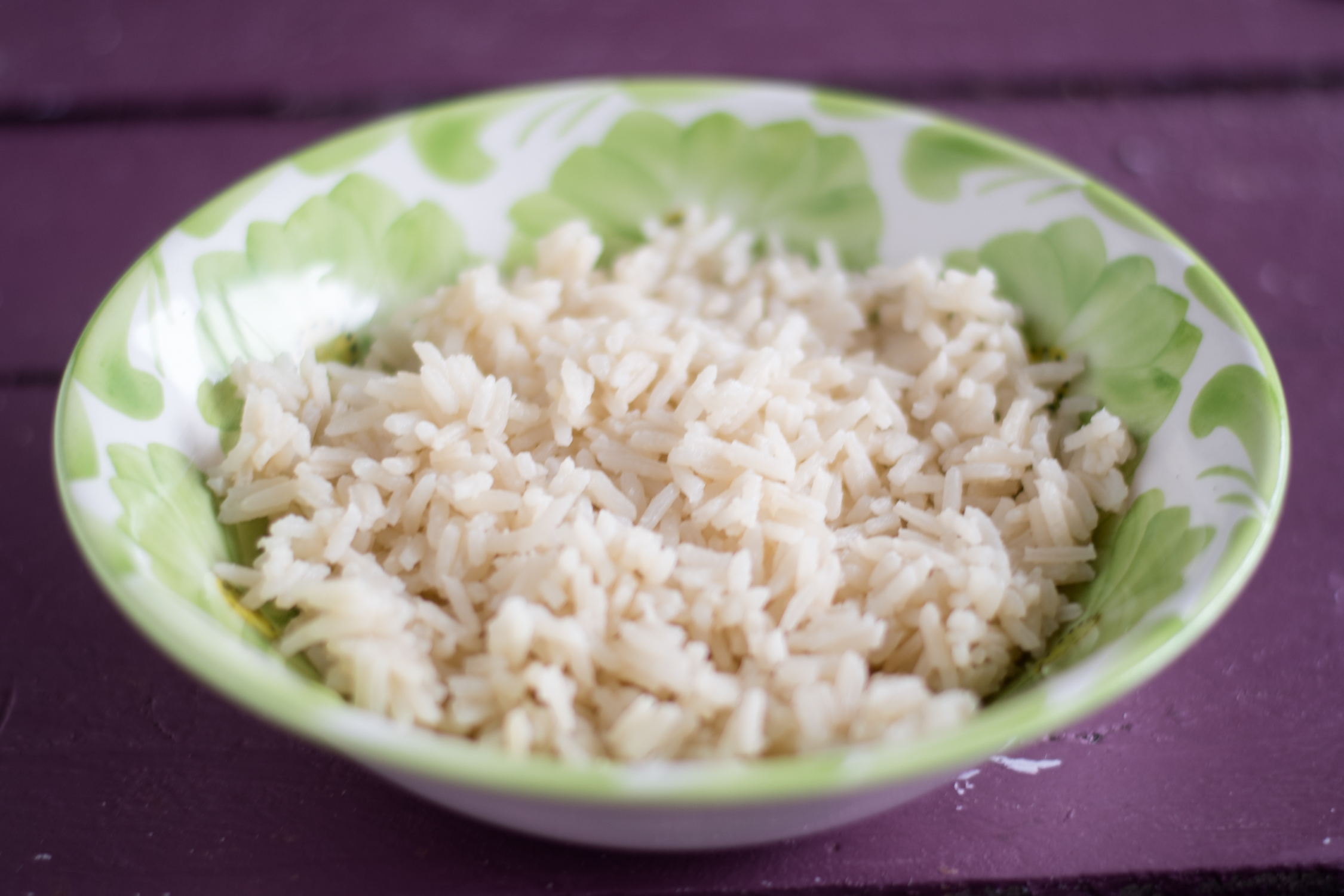 ooking rice in brewed green tea adds so much flavor to the rice. #rice #Asian #greentea #vegan #side #easyrecipes