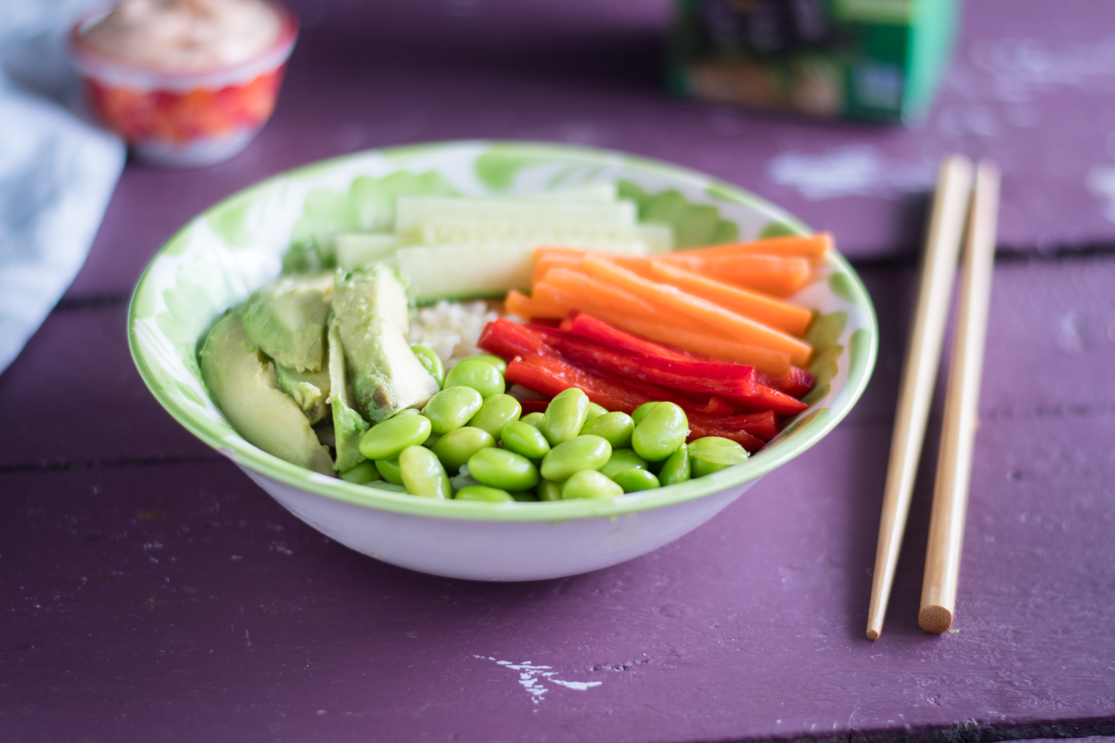 Vegan Sushi Bowls made with green tea infused rice. #vegan #tea #rice #recipes