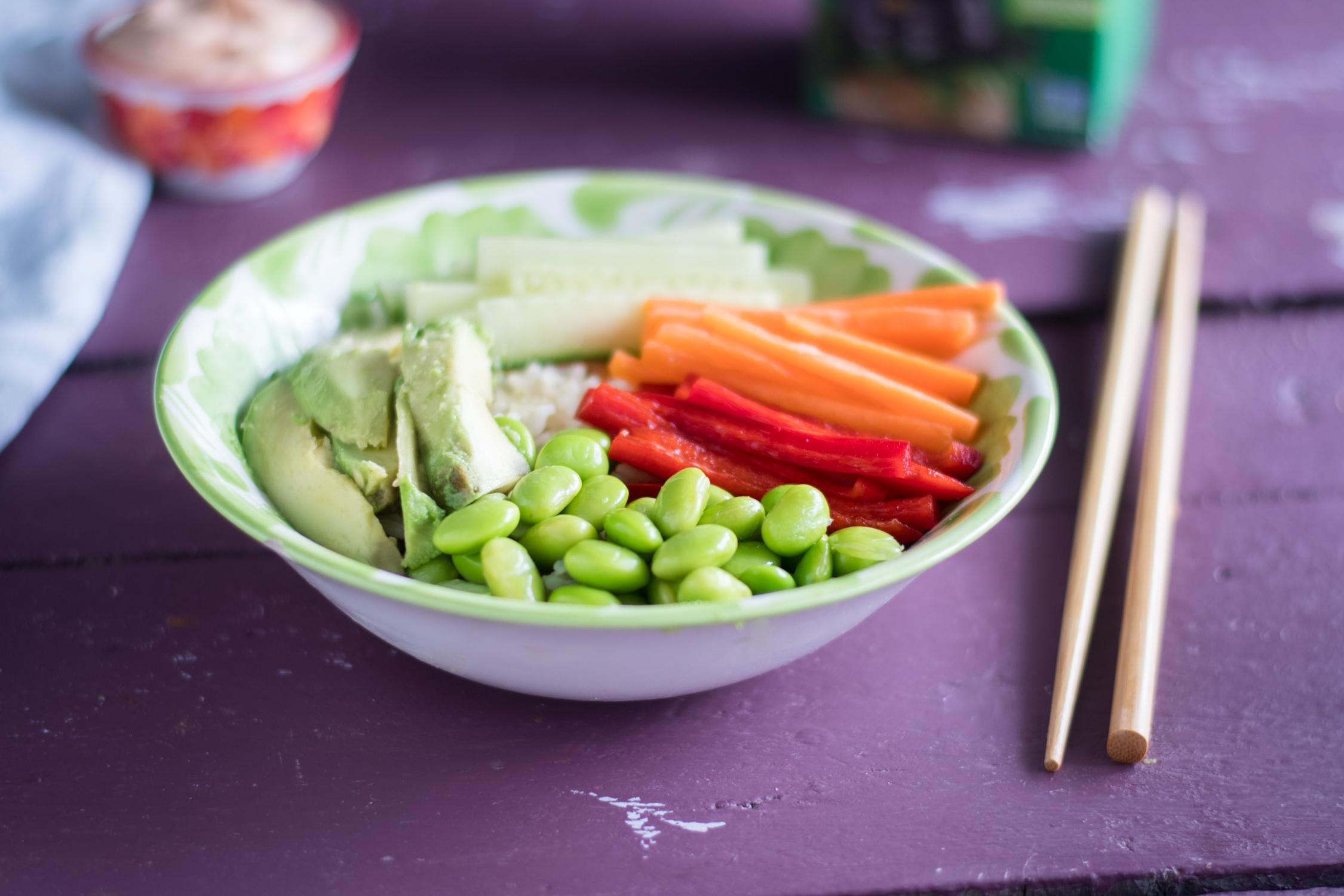 Vegan Sushi Bowls made with green tea infused rice. #vegan #tea #rice #recipes
