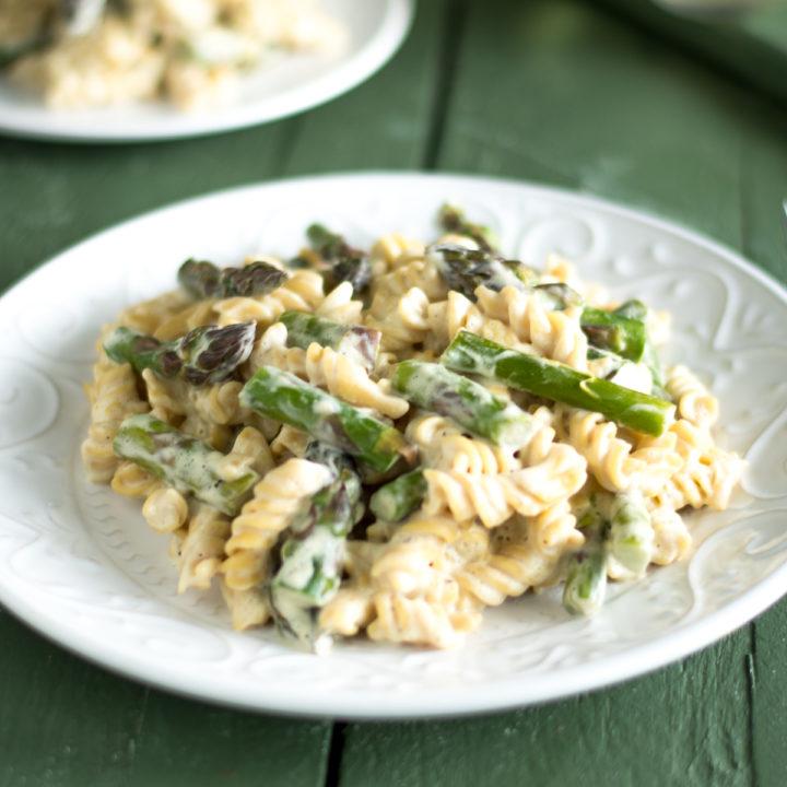 Vegan Asparagus Pasta with creamy sauce