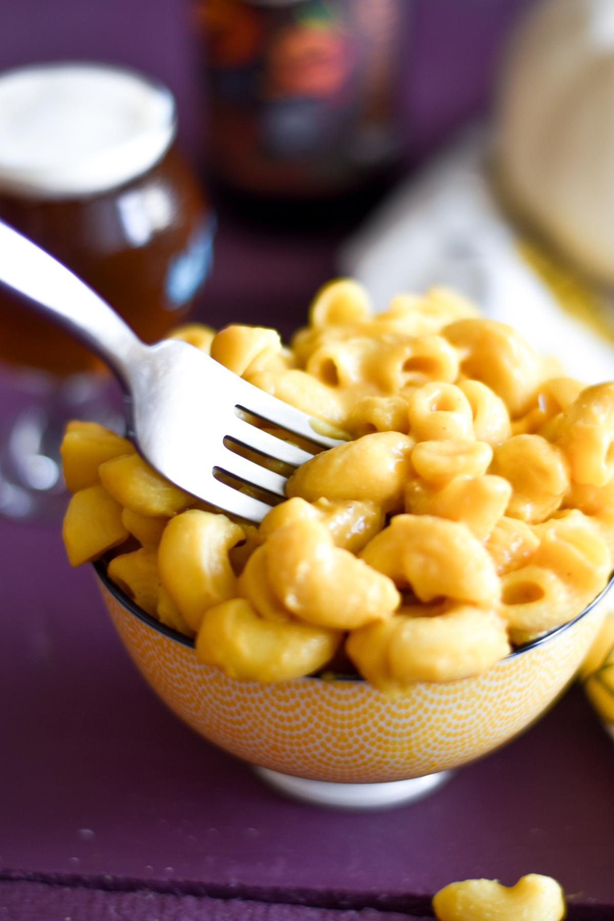Easy Vegan Pumpkin Mac and Cheese