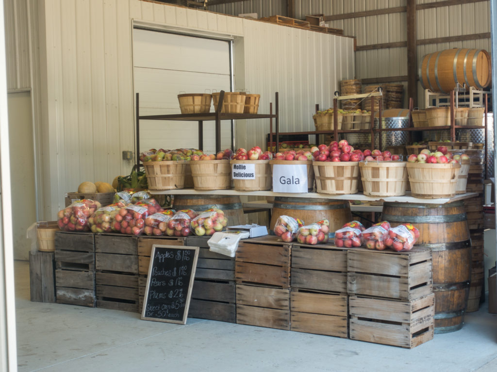 Farm market at Lemon Creek Winery