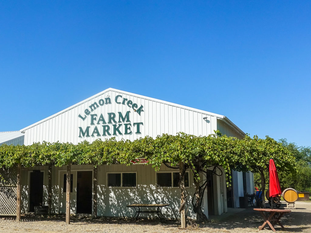 Lemon Creek is an estate vineyard and winery that is a family owned business with over 160 years experience. The wines at Lemon Creek are exceptional. The winery has been awarded with multiple international gold medals, as well as multiple regional and state awards.
