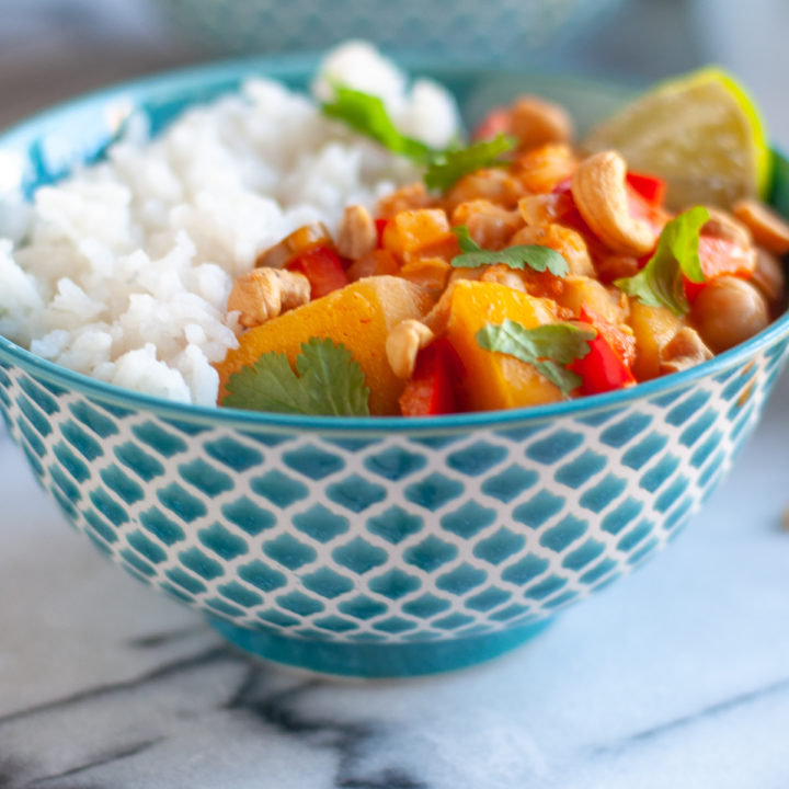 Infused with bright aromatics, this Thai Mango Curry is packed with flavorful and perfect for an easy weeknight dinner.